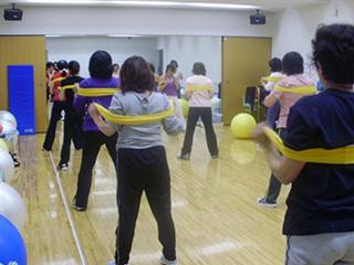 腰痛肩こり改善体操
